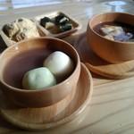 農家カフェ 37テラス - 料理写真:おやつタイムのぜんざいとおもち