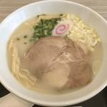 102496500 - 圧倒的な美味しさの鶏白湯。鶏白湯ではトップクラスのクオリティ。
