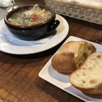 トラットリア・クラウディア - 牡蠣のアヒージョ