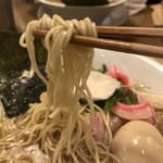 102512879 - 麺リフト