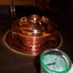 しゃぶ禅 -  しゃぶしゃぶ調理用の金色の貴重な鍋です。