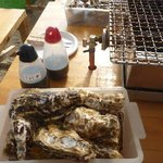 豊漁丸 - 1000円で牡蠣は12~3個だそうですよ。