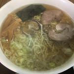 102521328 - 魚醤ラーメン (*´ω`*) あっさり 細麺大
