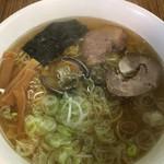102521341 - 魚醤ラーメン (*´ω`*) あっさり 細麺大