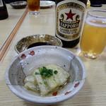 福岡鷹勝 - サッポロラガーで乾杯。茄子の煮びたしがお通し