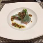 ビストロ サカイ - 前菜  サーモンと生ハムの生春巻きサラダ