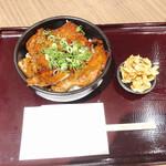 もくとん - 料理写真:豚かば丼 885円
