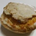 102544279 - ミルリトン ド ルーアン(ノルマンディー地方ルーアンのお菓子)