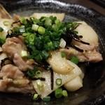 102548132 - せせりと長芋の塩昆布炒め(630円)