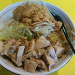 麺屋 ゴンザレス - 油そば(太麺、並)ブタマシ