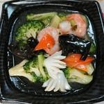 桂林餃子 - ブロッコリー海鮮炒め ¥480-