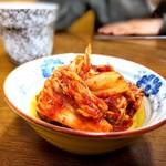 朝日屋 - 料理写真:キムチ
