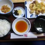 102560333 - 蛸天定食。蛸飯定食と併せて人気の定食です