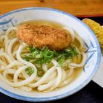 102565378 - コロッケうどん(かけうどん+牛肉ミンチコロッケ)