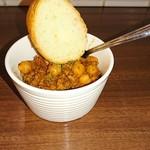 バルhachi - ひよこ豆のトマト煮込み