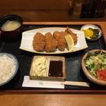 102568769 - 広島県産 大粒カキフライ定食 1100円