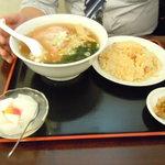 金龍園 - チャーシュー麺セット750円