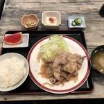 居酒屋タオ - しょうが焼定食(税込700円)