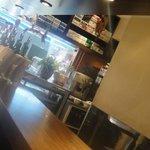 10258501 - 店内はカウンター10席のみの小さなお店