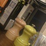 10258503 - オリーブオイルやバルサミコ酢・塩・胡椒など