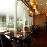 中国菜老四川 飄香 - 店内一番奥の落ち着いた雰囲気のテーブル席 人気のため予約必須です
