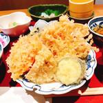 和食にしざき - 揚げたてサクサクの天ぷら