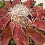 伽羅 - 自家製牛肉のタタキ