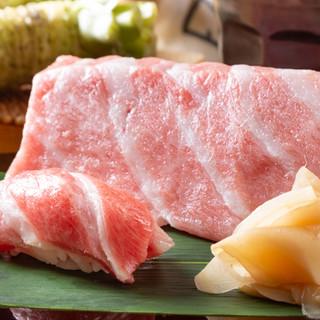 四季折々の旬なネタで織り成すお寿司や、自慢の一品に舌鼓