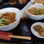 台湾MACHI - 滷肉飯と小酸辣麺セット