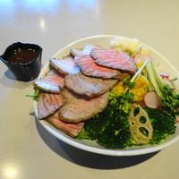 赤身専門焼肉屋 おにくちゃん-サラダボウル「バランス」