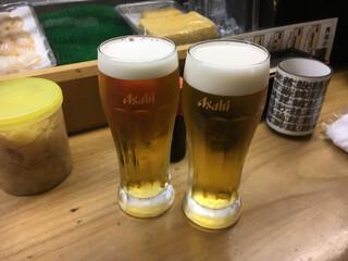 立喰い寿司 七幸 - ビールで乾杯〜