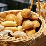 ファリナモーレ - パン各種@こちらはいただきませんでしたが、手作りで美味しそう
