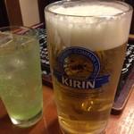 良酒屋 握 - ドリンク写真:あると注文してしまう生の大ジョッキ