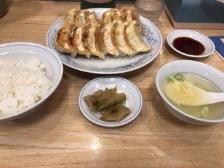 ぎょうざの満洲 中野南口店 - ダブル餃子定食(615円)