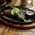二代目アミーゴ森崎 - カッチカチ いちお和牛ステーキのミディアムww