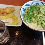 102612193 - うどんと天ぷら550円