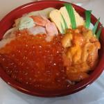 シマワキ水産 - 料理写真:うに・いくら丼