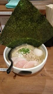 濃厚鶏麺 ゆきかげ - 海苔のクセがスゴい〜!