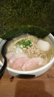 濃厚鶏麺 ゆきかげ - 鶏白湯(塩・750円)