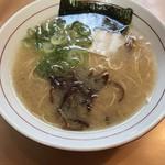 福芳亭 - 料理写真:ラーメン半チャーハンセット680円!