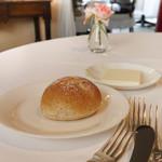 佛蘭西料理 名古屋 - パンは藤沢の小麦で自家製