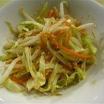 ミス サイゴン - ピーナッツソースのサラダ付です