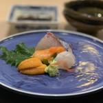 味あら井 - ●きぬ貝、関門海峡の平目、北海道生雲丹、シマアジ造り