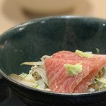 味あら井 - ●筍の土鍋御飯にONマグロ漬け、香の物
