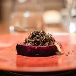 CILQ - ビーツの塩釜焼き 黒トリュフと京鴨の自家製生ハム