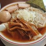 三十六番 - 料理写真:ワンタン麺650円 + 煮卵100円