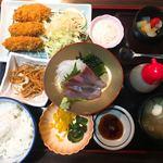 がってん食堂大島屋 - 広島産 大粒カキフライと刺身定食 1,480円