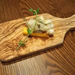 オマッジオ ダ コニシ - 前菜1品目→ポレンタ(とうもろこしで作った生地)と バッカラマンテカータ