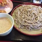 à la 麓屋 - 蕎麦と胡麻付けつゆ