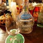 メキシカン・バー ソル・マリアッチ - テキーラ「デスティラドール」ブランコ。3回蒸留でクリアな味わい